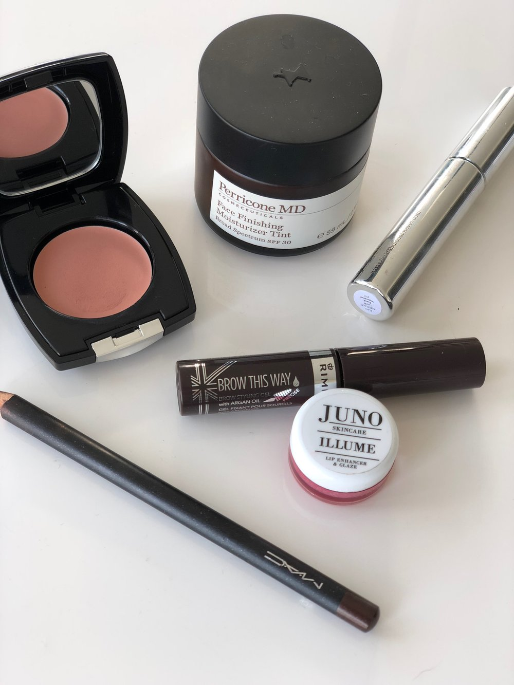 My favourite products for a very quick, light makeup.