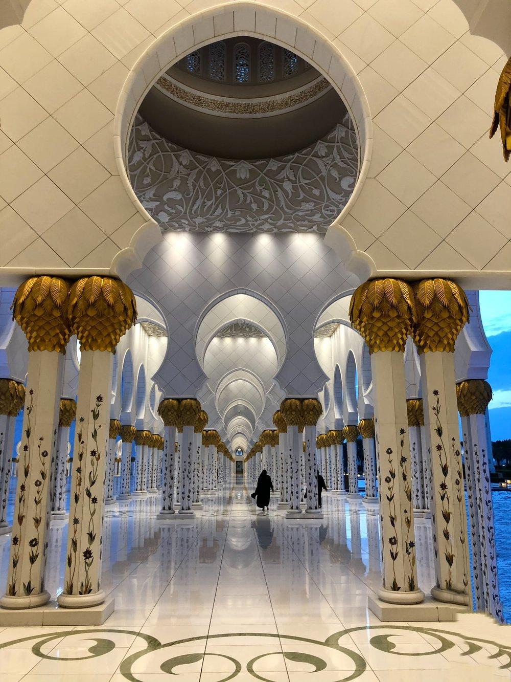 Sheikh Zayed Mosque (1).jpg