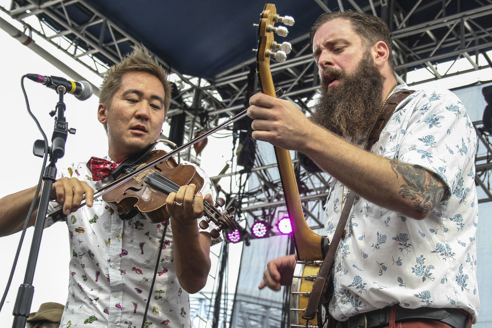 Kishi Bashi performing at the 2014 Bunbury Festival.