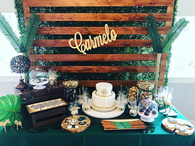 Feature tables & walls are kinda my thing. The sweet treats were beautifully displayed.  Staying true to the event's theme. 🌿 #glamsafari