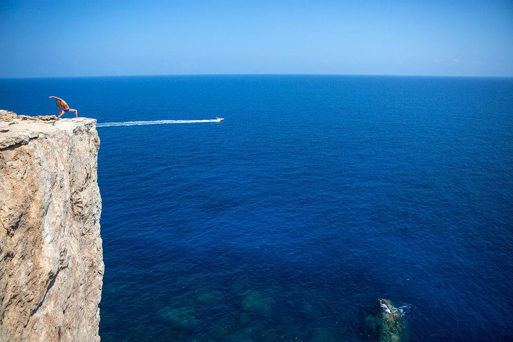Amy en Menorca, España.