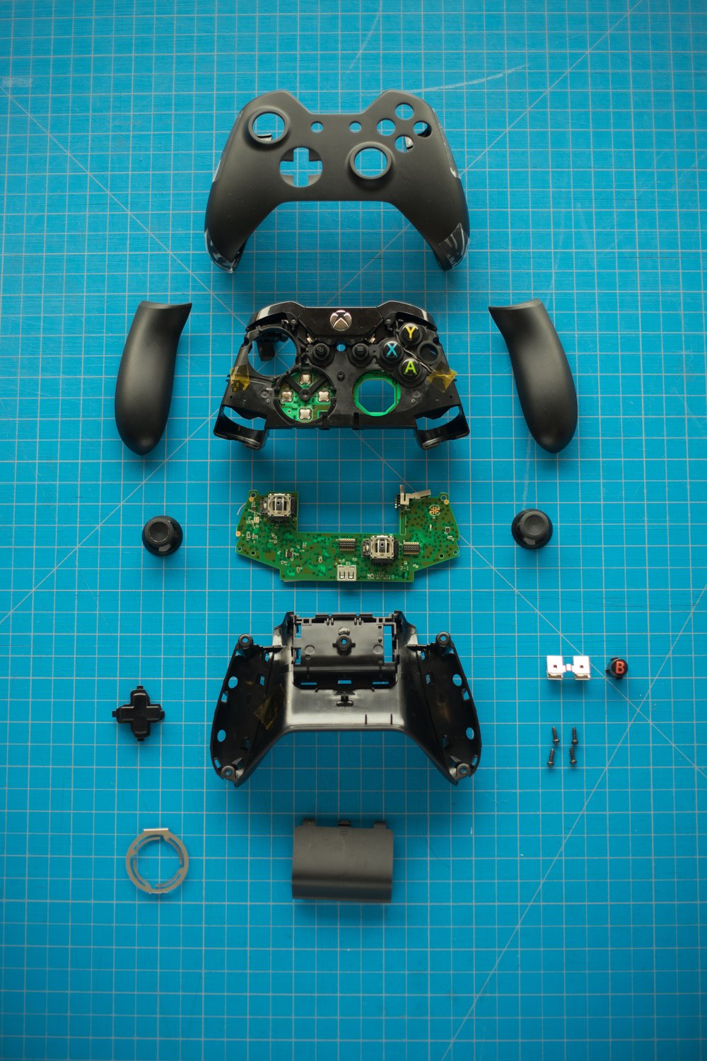 Xbox-Controller-Disassembled.jpg