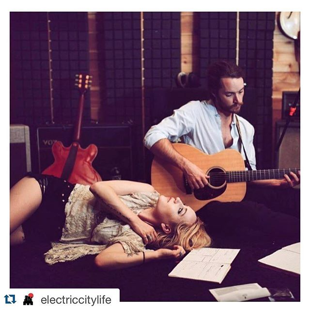 Playing @theloftcolumbus tonight with @fielddivision and Captain Kudzu. Look forward to meeting you Columbus  #Repost @electriccitylife with @repostapp. ・・・ Indie delight tonight  @theloftcolumbus check out the Spotify favorite @fielddivision & more @ #ElectricCityLife.com #ColumbusGA #live #music #food #beautiful #love #indie #night #repost #photo