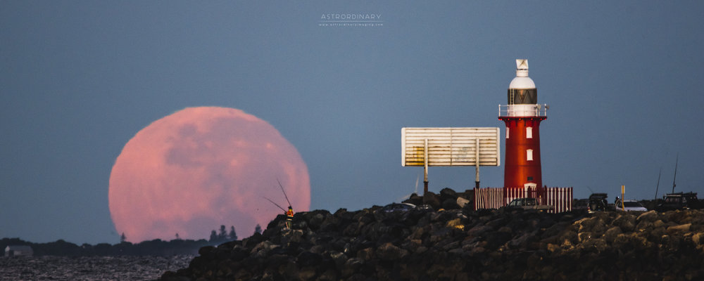 North Mole Moonset
