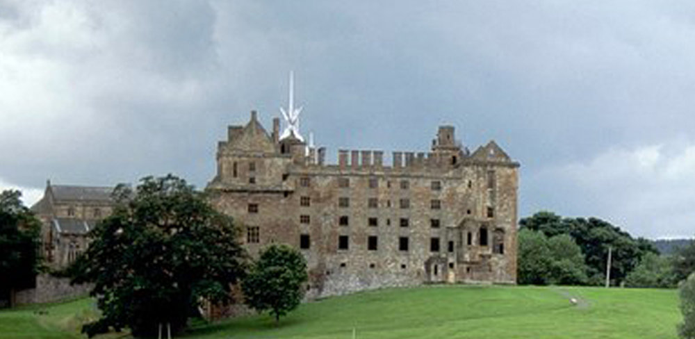 Linlithgow_Palace.jpg