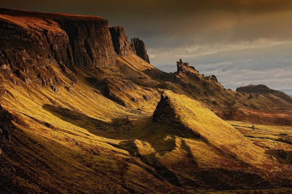 Skye-Tour-Mountains-Quirang.jpg