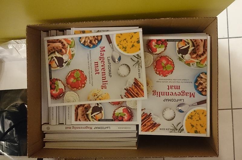 Bøkene ble revet unna, så tusen takk til alle dere som kjøpte!