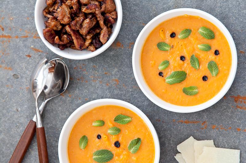 Denne suppen både smaker godt og gir en energiboost å se på!Foto: Magevennlig mat - Espen Døhlen