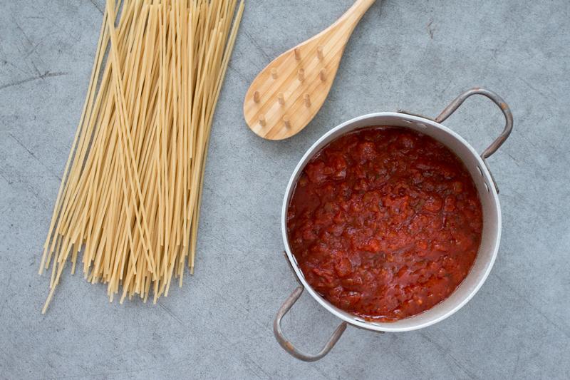 Har du prøvd  spaghetti av brun ris ? Veldig godt og magevennlig!