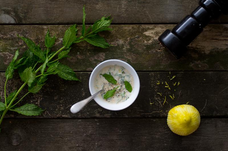 Yoghurtdressing med mynte