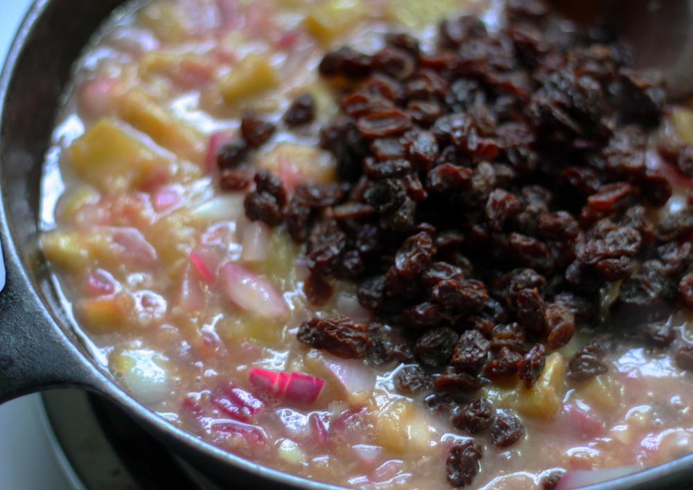 raisins in rhubarb