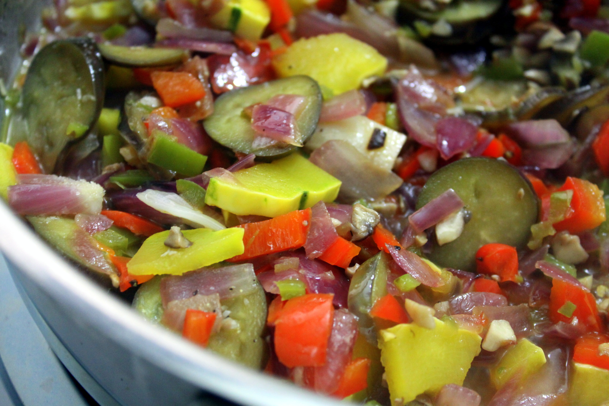 Summer may have passed but you can still enjoy a colorful vegetable sauce.