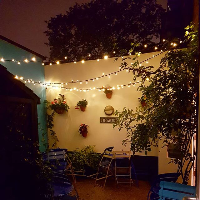 """ Si sta come d'autunno sugli alberi le foglie"". We are like leaves in branches in Autumn fall. Cit: Giuseppe Ungaretti. . . . #fall #winebar #winepassion #winelover #poems #rain #brixton #london #courtyard #night #wines #ungaretti"