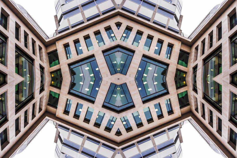 London Dream 7187the-multiverse-AmirBECH.jpg
