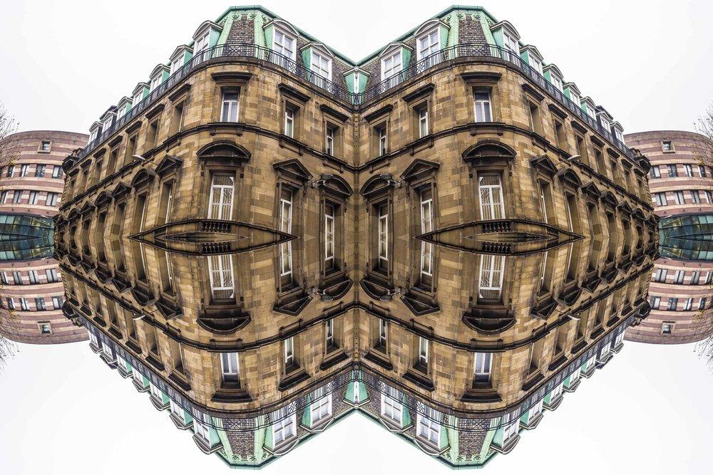 London Dream 7208the-multiverse-AmirBECH.jpg
