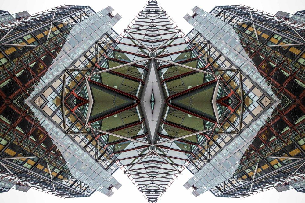 London Dream 7293the-multiverse-AmirBECH.jpg