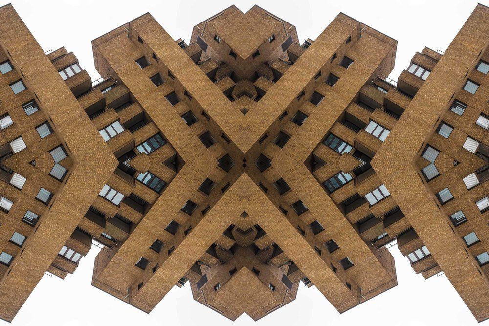 London Dream 7310the-multiverse-AmirBECH.jpg