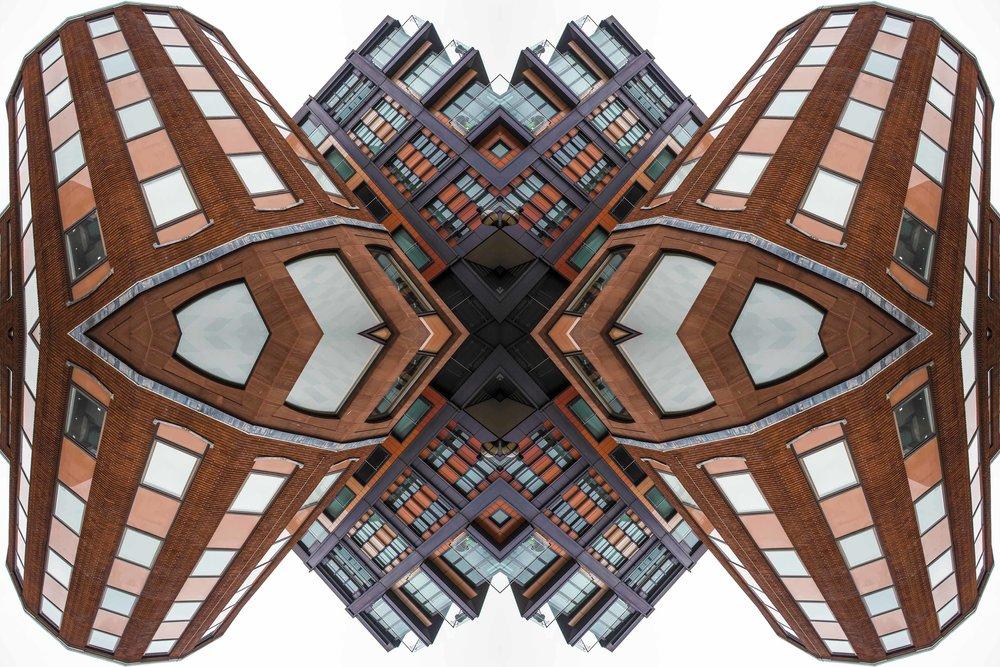 London Dream 7342the-multiverse-AmirBECH.jpg