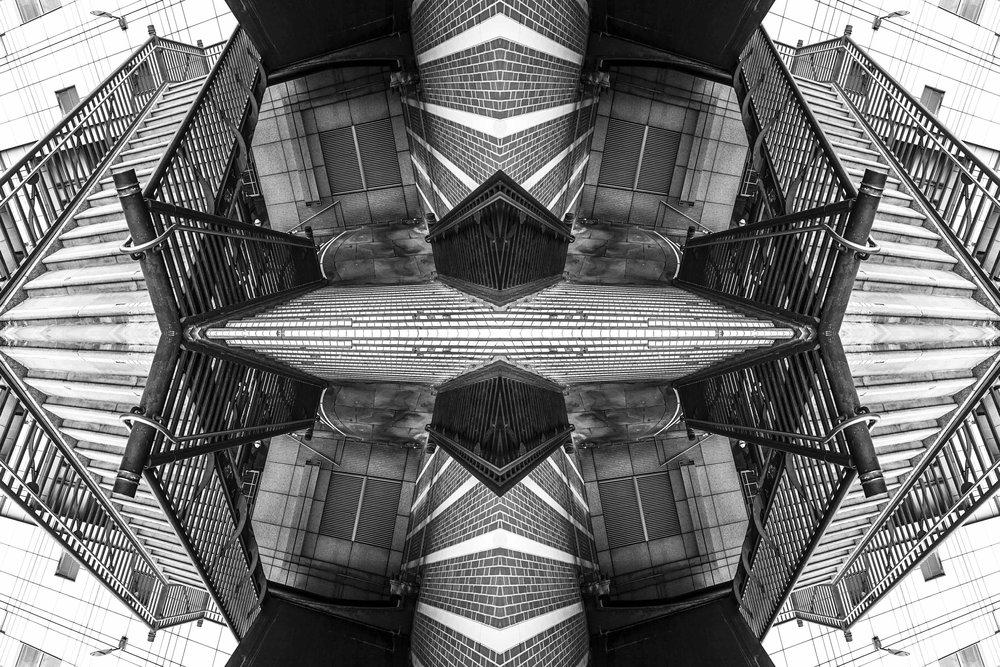 London Dream 7390the-multiverse-AmirBECH.jpg