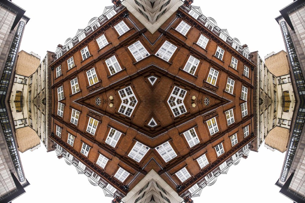 London Dream 7400the-multiverse-AmirBECH.jpg
