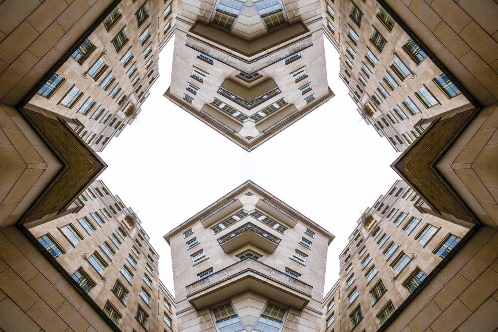 London Dream 7435the-multiverse-AmirBECH.jpg