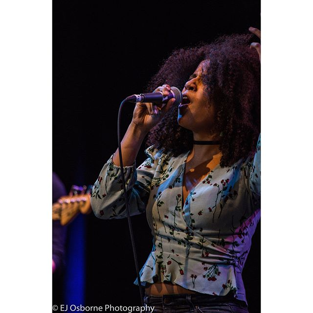 Live performance from Naima Adams #performer #performance #music #musicperformance #producer  #gigphotography #singer #locationlighting #photographer #photography #photooftheday #canon #canon_photos
