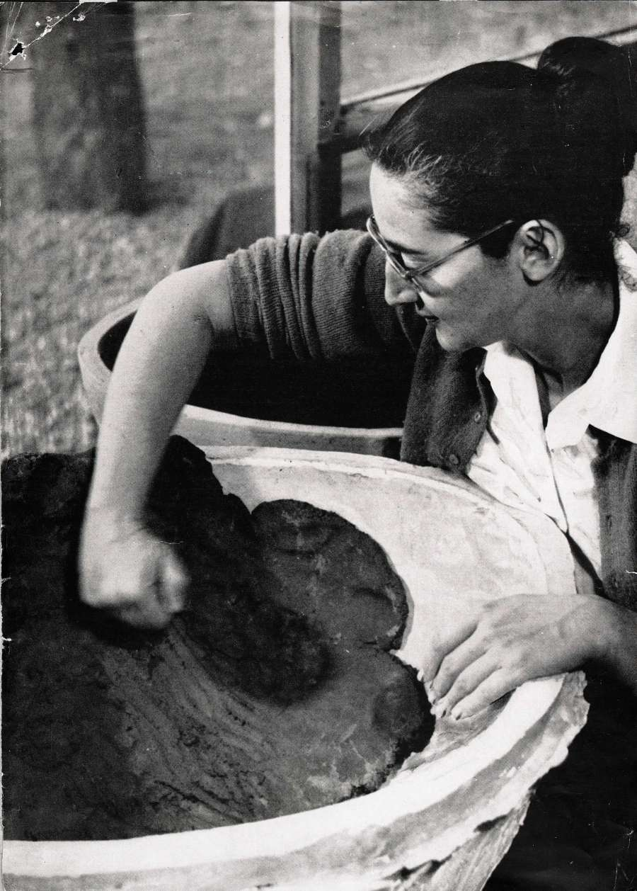 Karen Karnes, 1958, Photo courtesy of the American Craft Council.