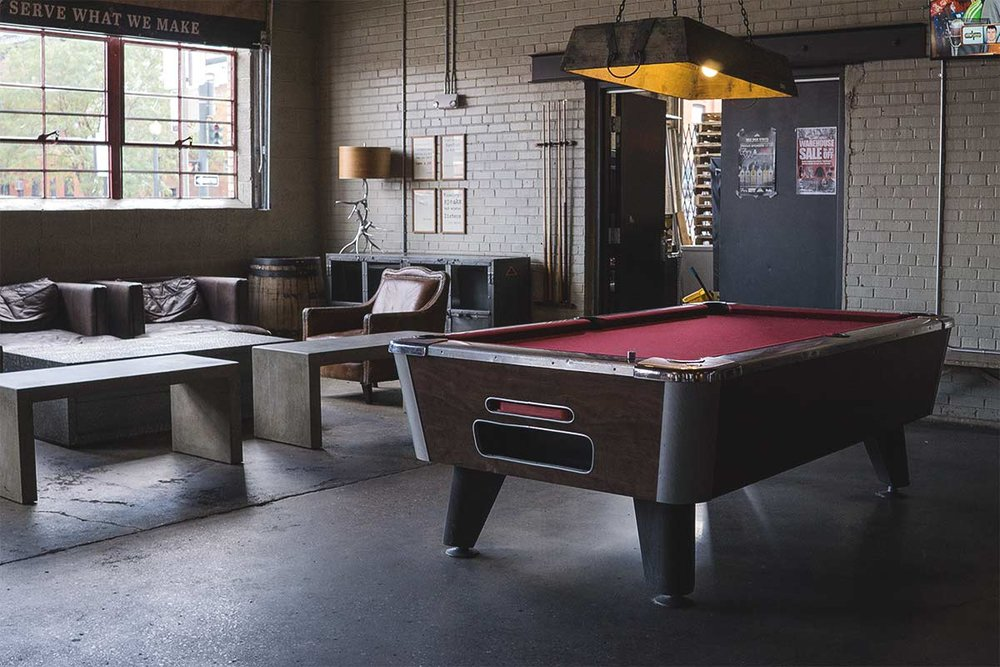 pool_table_lounge_web_photo.jpg