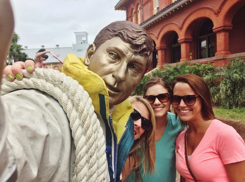 Sometimes statues take good selfies