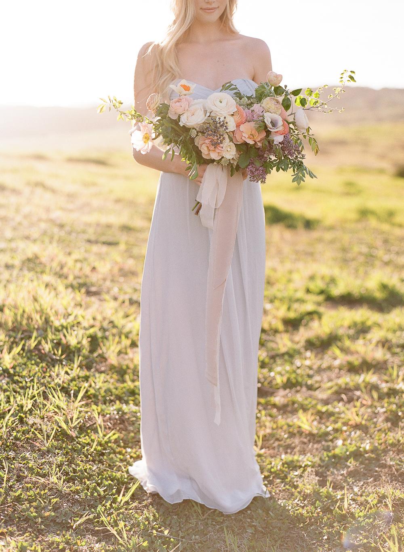 photo:ERICA SCHNEIDER / florals: C  ATALINA NEAL FLORALS