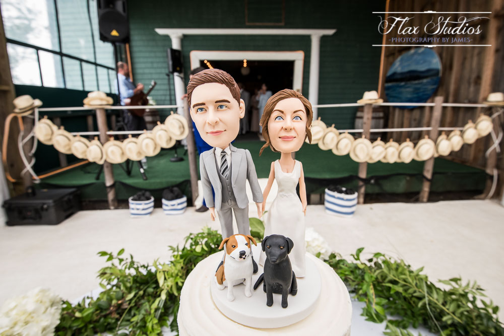 Absolutely LOVED the bobblehead cake topper!