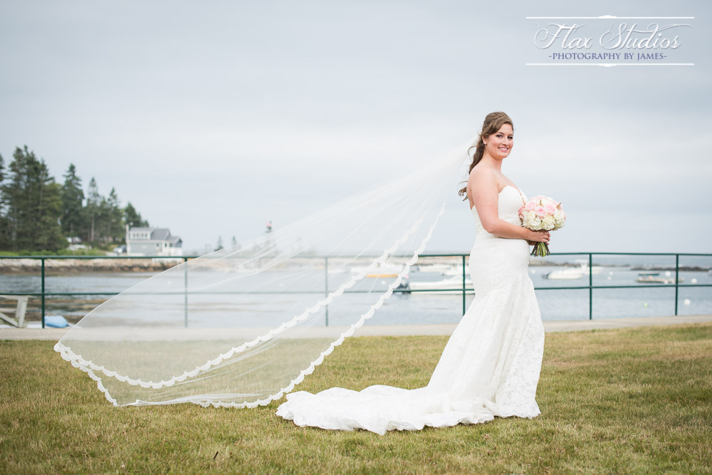 Veil in the wind Bridal Portraits