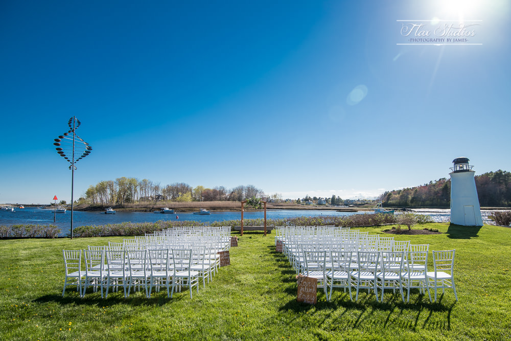 Certainly couldn't have had clearer skies! The back lawn of the Nonantum Resort is great view for an outdoor wedding ceremony.