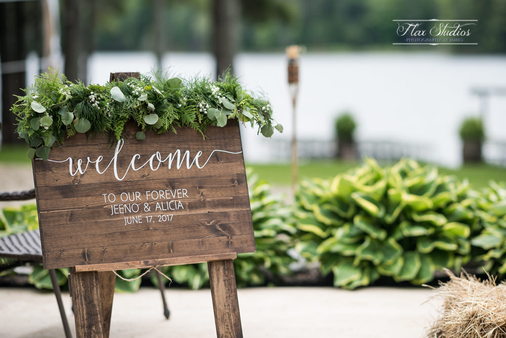 ^ Love this welcome sign! Such a sharp design.