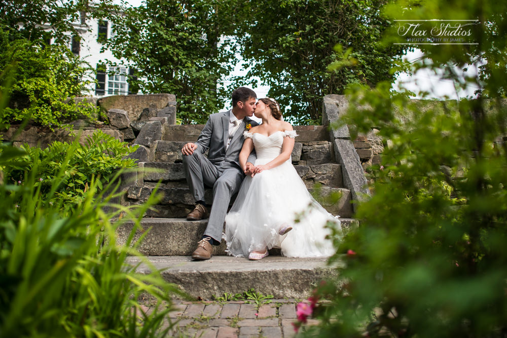 The Sunken Garden Wiscasset Maine Wedding Photos