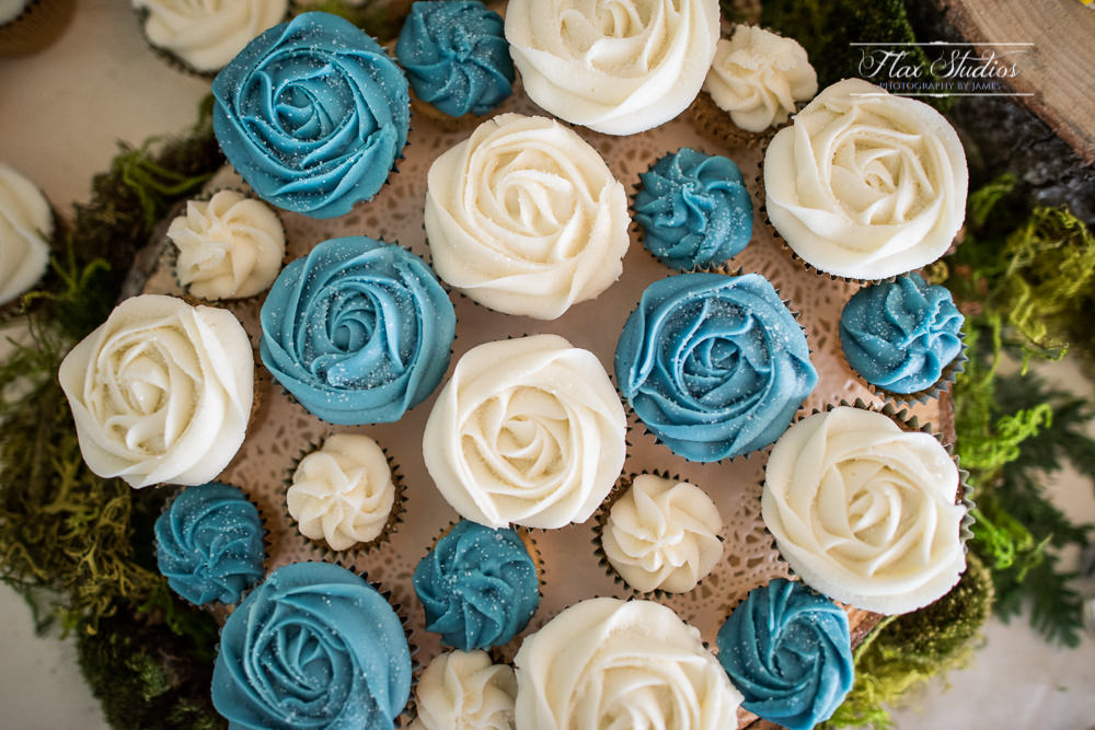 Wedding cupcakes instead of wedding cake