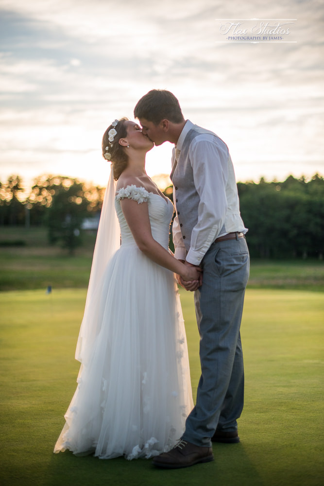Sunset golf club wedding pictures flax studios
