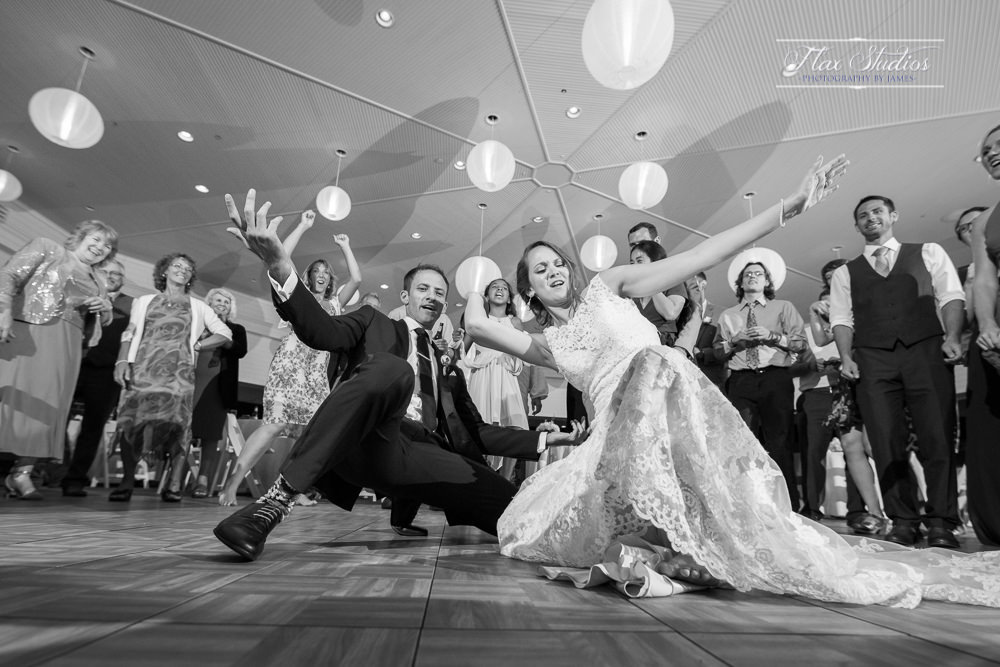 epic wedding dance photos flax studios