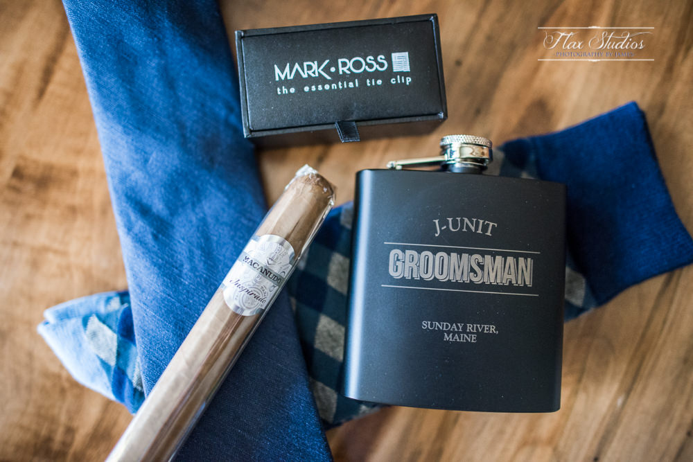 engraved groomsmen gifts