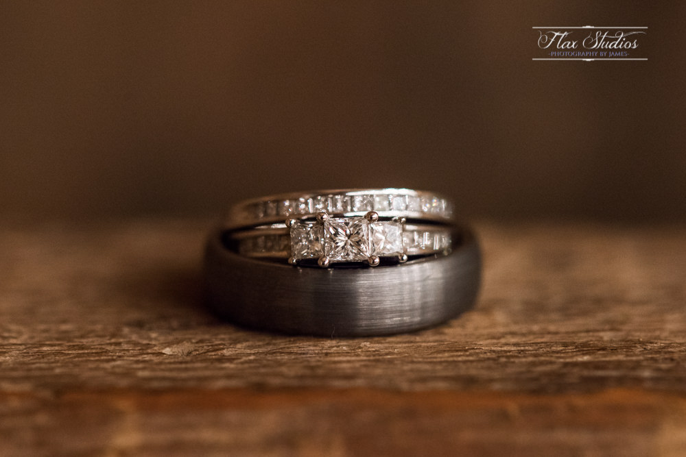 wedding ring rustic photo ideas Nikon Micro