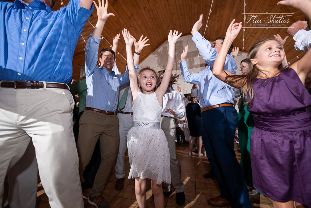 kids dancing at weddings