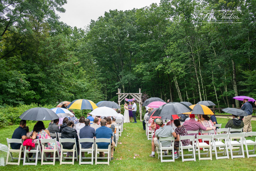 wedding day rain umbrellas