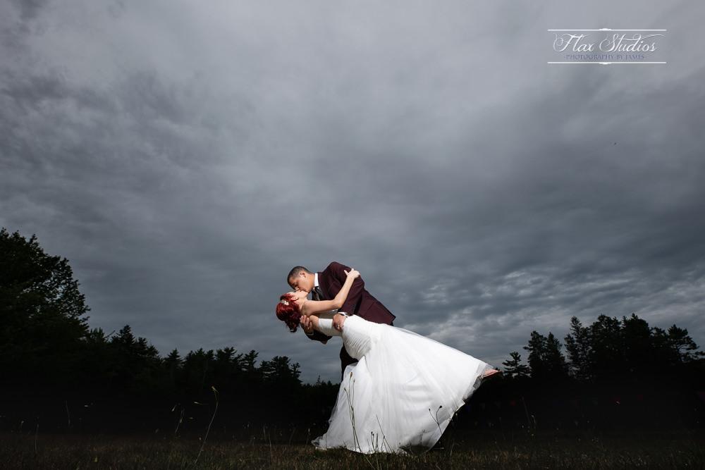 dramatic off camera wedding lighting flax studios