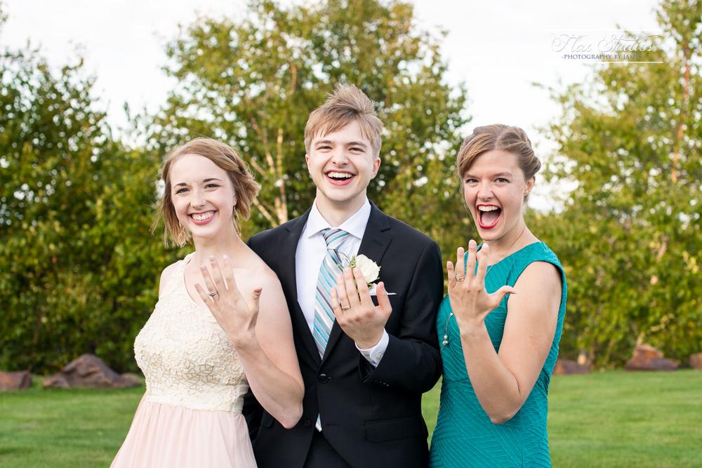 goofy sibling photo ideas