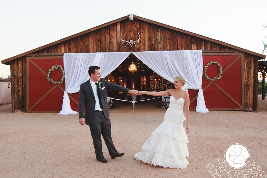 Scottsdale Wedding Photography Red Barn Wedding Farm DIY Wedding Arizona Scottsdale Wedding Photography