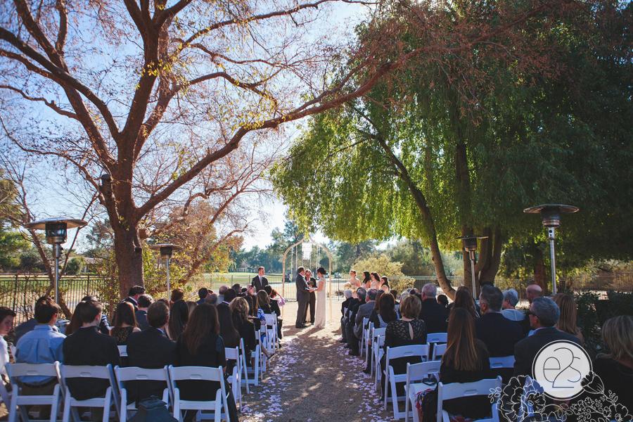 eyes2see_ed_sabina_scottsdale_backyard_wedding028
