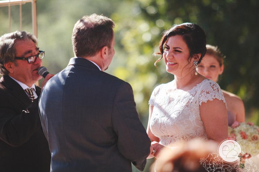 eyes2see_ed_sabina_scottsdale_backyard_wedding029