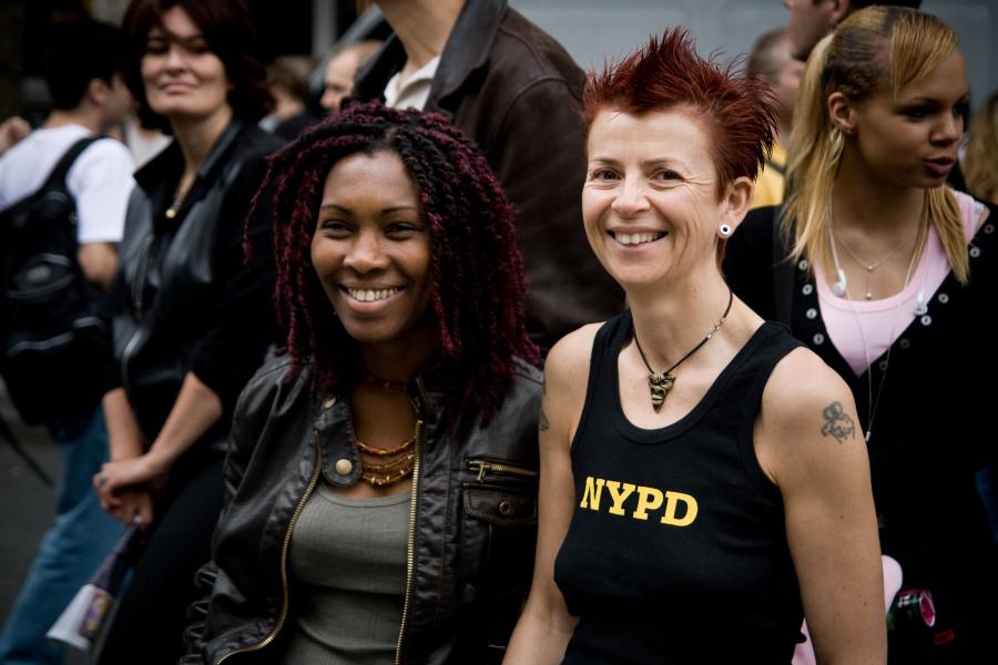 Lesbian and gay pride 2007 (CC).jpg