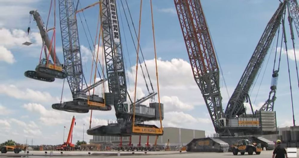 liebherr crane lifting 3 other cranes