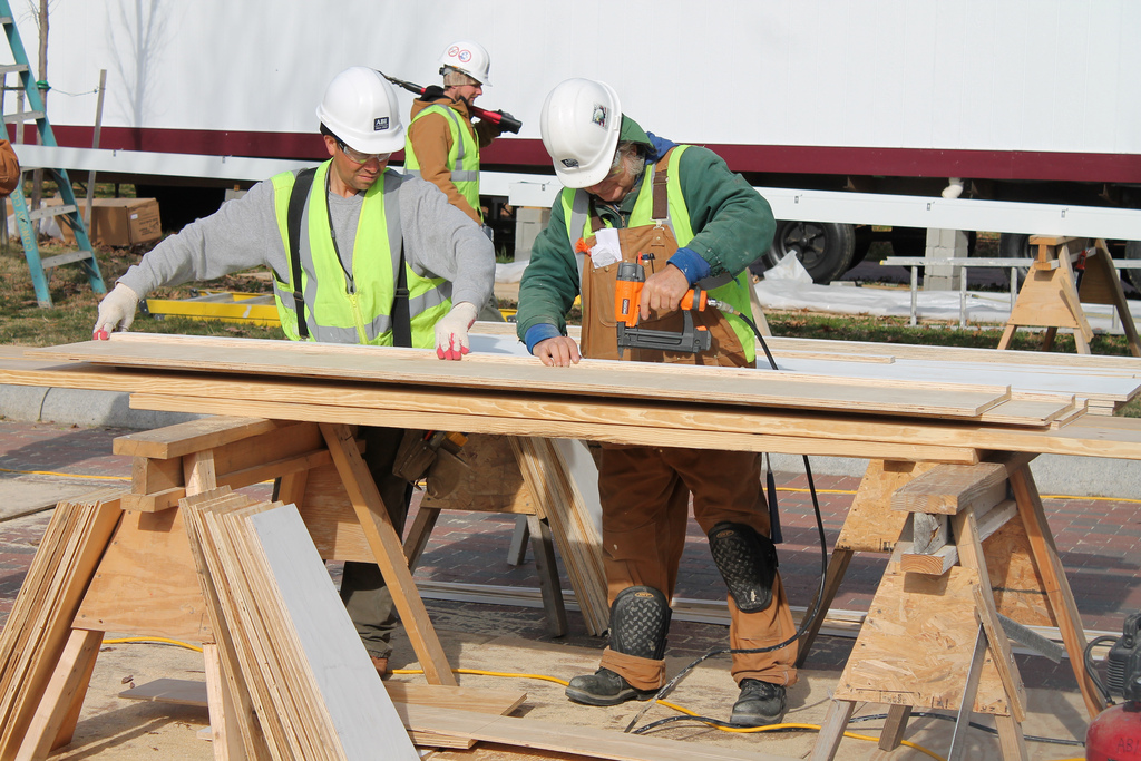 The 10 Highest Paid Construction Jobs That Only Require High School